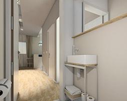 DOM NA ZŁOTNIE - Mała szara łazienka na poddaszu w bloku w domu jednorodzinnym bez okna, styl nowoc ... - zdjęcie od LUIZA STAR - Homebook