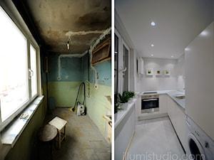 MIESZKANIE W BLOKU - zdjęcia z realizacji - metamorfoza 36 m2 w bloku. - Średnia wąska biała kuchnia w kształcie litery l w aneksie, styl minimalistyczny - zdjęcie od ILLUMISTUDIO