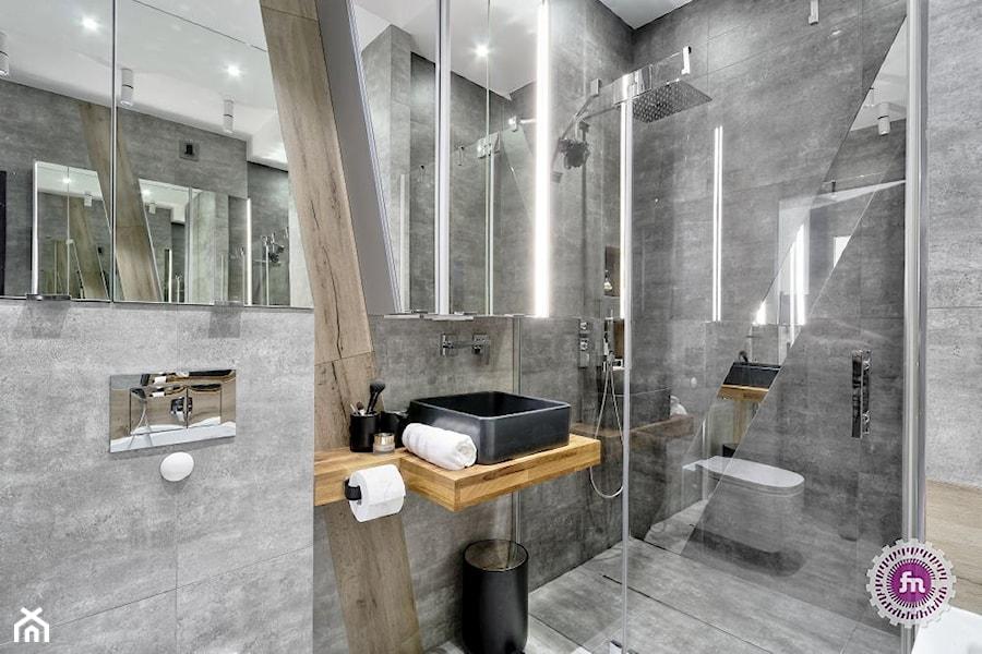 z ukosa - Średnia łazienka w bloku w domu jednorodzinnym bez okna, styl minimalistyczny - zdjęcie od Fabryka Nastroju Izabela Szewc