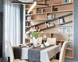 z ukosa - Mała zamknięta szara jadalnia jako osobne pomieszczenie, styl nowoczesny - zdjęcie od Fabryka Nastroju Izabela Szewc