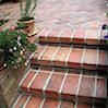 Cegła tarasowa, czyli jak wprowadzić styl rustykalny i prowansalski do ogrodu