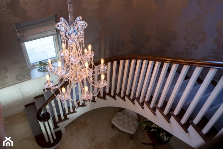 Apartament w stylu Glamour - Hol / przedpokój, styl glamour - zdjęcie od PRIMAVERA-HOME.COM