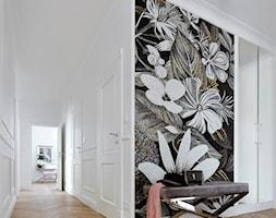 Apartament w stulu Glamour - luksusowe wnetrza: salon, sypialnia, kuchnia, łazie - Duży biały hol / przedpokój, styl glamour - zdjęcie od PRIMAVERA-HOME.COM