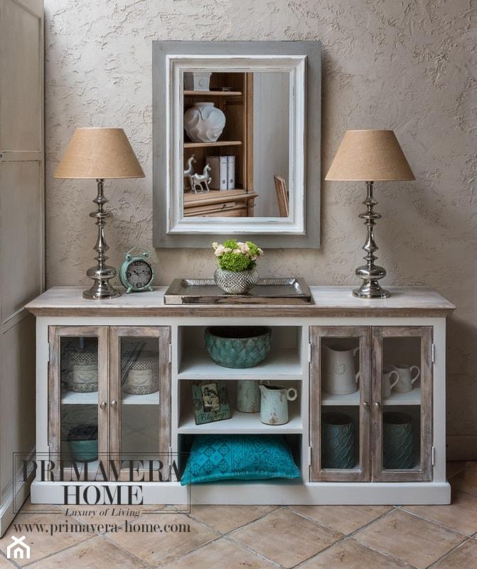 Wnętrza w stulu PROWANSALSKIM I SHABBY CHIC - Mały szary salon, styl prowansalski - zdjęcie od PRIMAVERA-HOME.COM