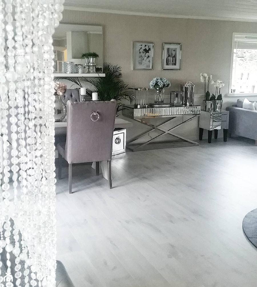 Salon w stylu Glamour - Średni beżowy salon, styl art deco - zdjęcie od PRIMAVERA-HOME.COM