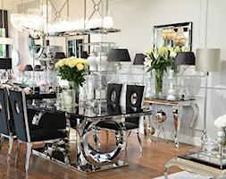 Stół i krzesła do jadalni ze stali w stylu Glamour i Nowoczesnym - Mały szary czarny salon z jadalnią, styl glamour - zdjęcie od PRIMAVERA-HOME.COM