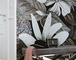 Apartament w stulu Glamour - luksusowe wnetrza: salon, sypialnia, kuchnia, łazie - Mały biały kolorowy hol / przedpokój, styl glamour - zdjęcie od PRIMAVERA-HOME.COM