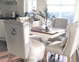 Wnętrza w stulu PROWANSALSKIM I SHABBY CHIC - Mała otwarta beżowa jadalnia w kuchni, styl prowansalski - zdjęcie od PRIMAVERA-HOME.COM