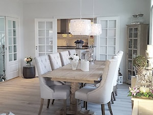 Krzesło tapicerowane pikowane z kołatką TIFFANY - zdjęcie od PRIMAVERA-HOME.COM