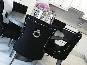Krzesła tapicerowane z kplatką w stylu Prowansalskim Shabby chic - Mała otwarta jadalnia w kuchni, styl nowojorski - zdjęcie od PRIMAVERA-HOME.COM
