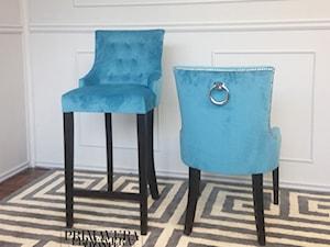 Nowoczesne krzesła tapicerowane z kołatką w stylu Glamour i nowojorskim