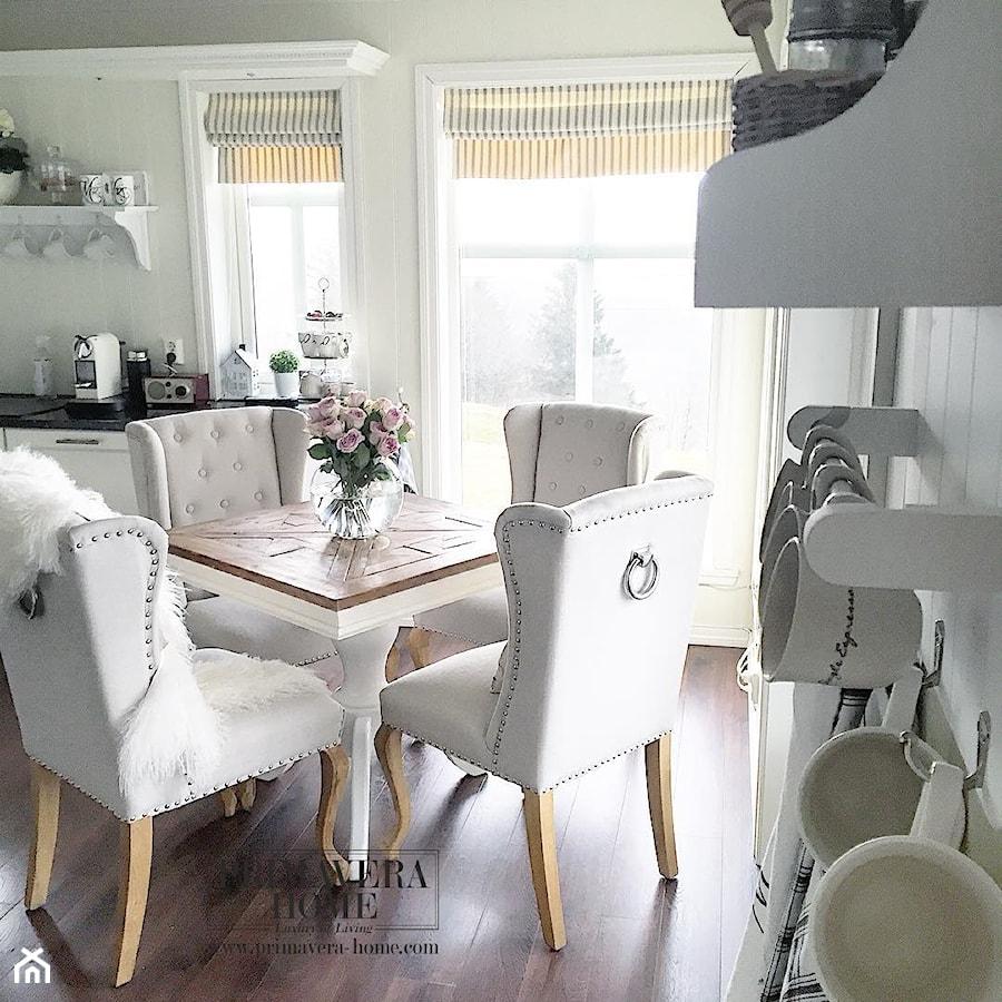 wn trza w stulu prowansalskim i shabby chic salon styl prowansalski zdj cie od primavera. Black Bedroom Furniture Sets. Home Design Ideas