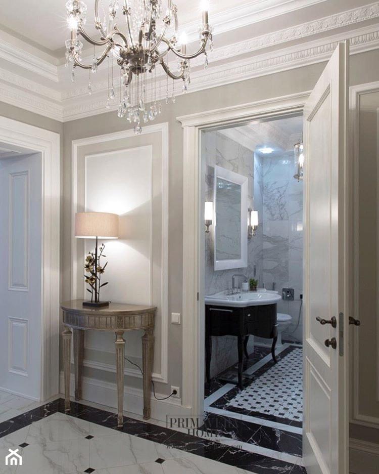 Wnętrza W Stylu Modern Classic Mała Biała łazienka Na
