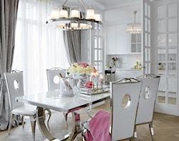 Apartament w stulu Nowojorskim - luksusowe wnetrza: salon, sypialnia - Duża otwarta biała jadalnia jako osobne pomieszczenie, styl nowojorski - zdjęcie od PRIMAVERA-HOME.COM