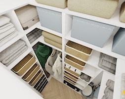 Pomieszczenie gospodarcze z wieloma półkami - zdjęcie od Studio Projektowe Atoato - Homebook