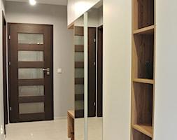 Mieszkanie w Krakowie 2+2 - Mały szary pokój dziecka dla chłopca dla dziewczynki dla nastolatka, styl nowoczesny - zdjęcie od Justyna Lewicka Design