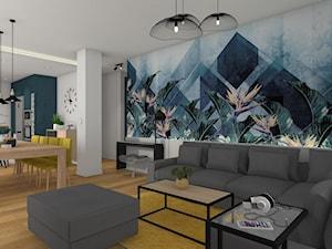 Kolor i nowoczesność w wyremontowanym domu.