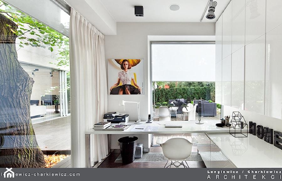 Dom znanej projektantki mody. - zdjęcie od Lengiewicz-Charkiewicz Architekci