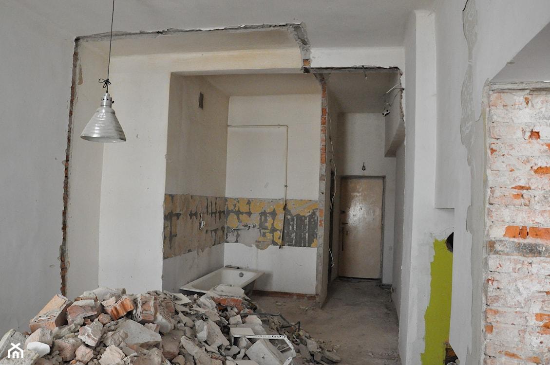 wyburzanie ściany