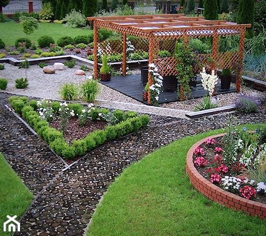 Oto skuteczne sposoby, dzięki którym Twój ogród szybko wypięknieje