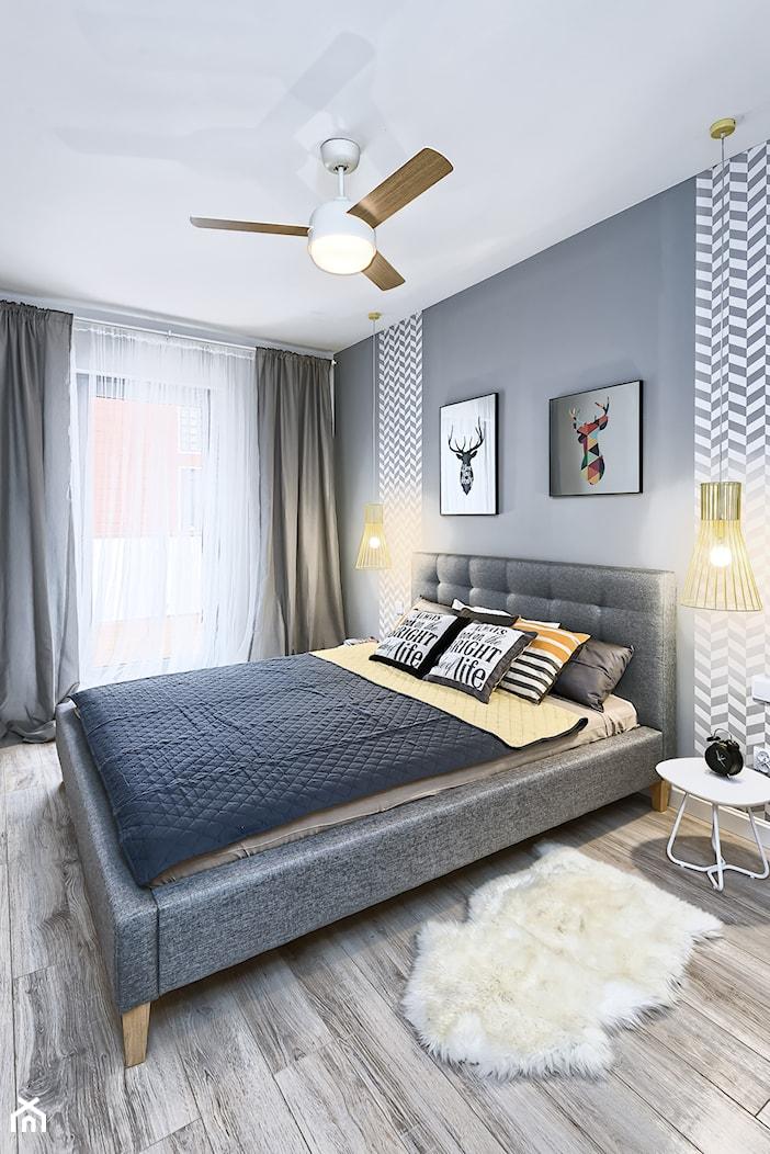 Mieszkanie pokazowe - Średnia szara sypialnia małżeńska, styl skandynawski - zdjęcie od Q2Design - Homebook
