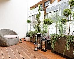 Mieszkanie pokazowe - Średni taras, styl skandynawski - zdjęcie od Q2Design
