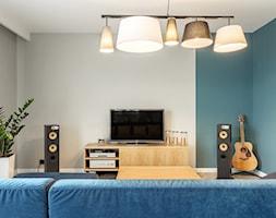 Dom jednorodzinny - Duży szary niebieski salon, styl nowoczesny - zdjęcie od Maciejewska Design