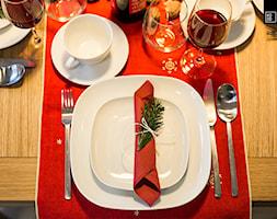 ŚWIĄTECZNE WYDANIE MIESZKANIA DLA RODZINY - Mała zamknięta jadalnia, styl tradycyjny - zdjęcie od KODO projekty i realizacje wnętrz
