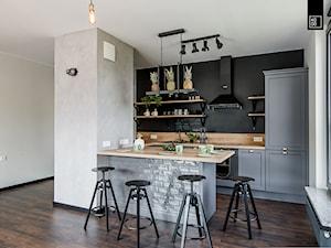 LIROWA - STYL LOFT - Średnia otwarta biała kuchnia w kształcie litery u w aneksie, styl industrialny - zdjęcie od KODO projekty i realizacje wnętrz