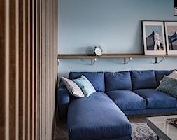 KONSTRUKTORSKA WARSZAWA - Mały niebieski salon, styl nowoczesny - zdjęcie od KODO projekty i realizacje wnętrz