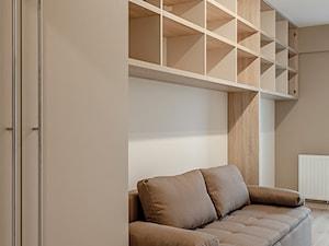 Średnie beżowe biuro domowe w pokoju, styl nowoczesny - zdjęcie od KODO projekty i realizacje wnętrz
