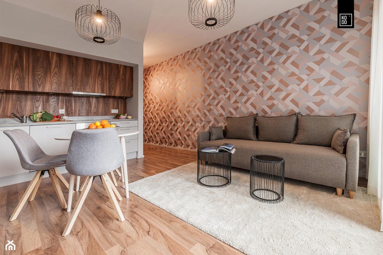 MĘSKI RÓŻ - Mały szary salon z kuchnią z jadalnią, styl eklektyczny - zdjęcie od KODO projekty i realizacje wnętrz - Homebook