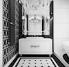 Czarno biała łazienka- projekt wnętrza. - zdjęcie od ArtCore Design