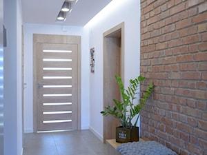 Mieszkanie W Kamieniu - Średni biały hol / przedpokój, styl skandynawski - zdjęcie od Bubbles Studio