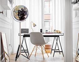 Miejski Styl - konkurs - Małe białe biuro domowe w pokoju, styl eklektyczny - zdjęcie od DOMagała Design