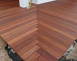 TARAS+BORTNOWSKIEGO+-+drewno+Bangkirai+-+zdj%C4%99cie+od+CZES%C5%81AW+BORTNOWSKI