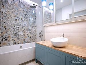 MODERN VINTAGE - Mała łazienka w bloku w domu jednorodzinnym bez okna, styl skandynawski - zdjęcie od Kołodziej & Szmyt