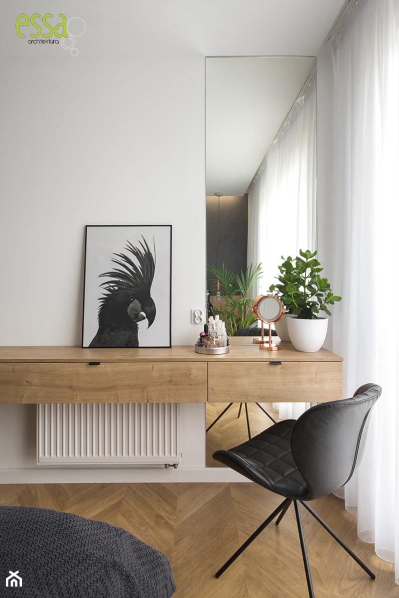 DOM W MAŁYCH WILCZYCACH - REALIZACJA - Biała sypialnia, styl nowoczesny - zdjęcie od ESSA Architektura