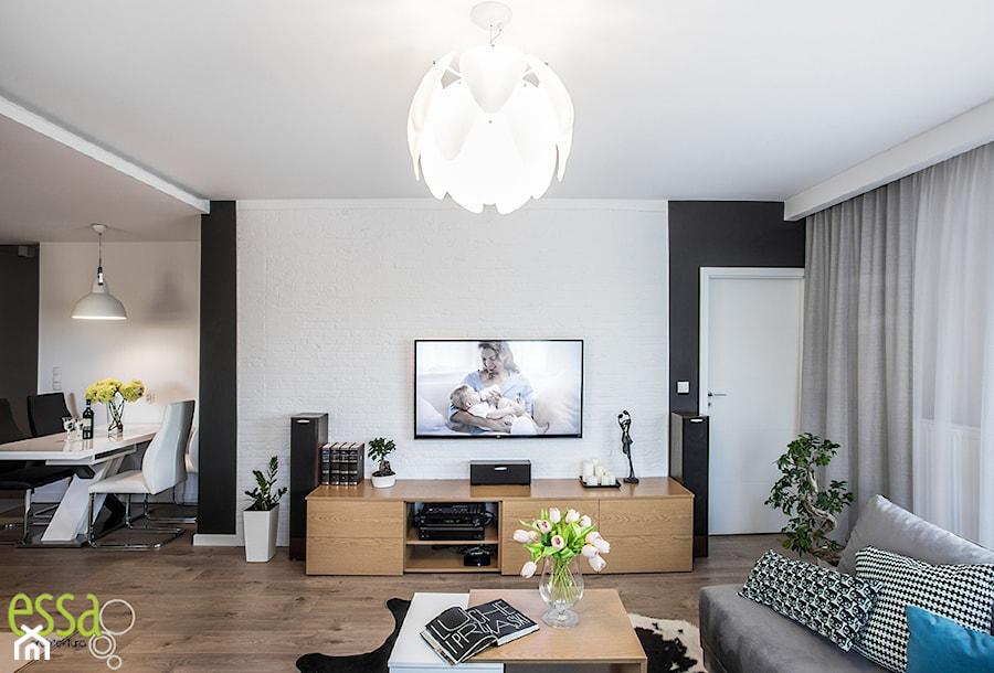 Aranżacje wnętrz - Salon: Mieszkanie 70mkw Wrocław - Średni biały czarny salon z jadalnią, styl nowoczesny - ESSA Architektura. Przeglądaj, dodawaj i zapisuj najlepsze zdjęcia, pomysły i inspiracje designerskie. W bazie mamy już prawie milion fotografii!