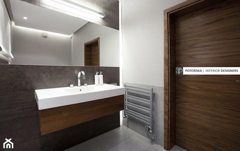 Dom na Wzgórzu - Łazienka, styl minimalistyczny - zdjęcie od studio POTORSKA - Homebook