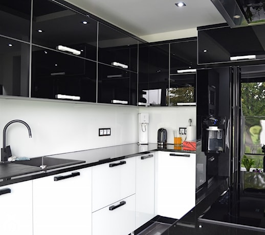 MEBLE SOBER kuchnia z frontami szklanymi lacobel black   -> Kuchnia Z Frontami Szklanymi