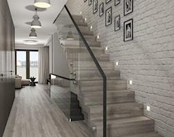 Projekt wnętrz mieszkania - Małe wąskie schody jednobiegowe drewniane, styl nowoczesny - zdjęcie od ARCHISSIMA
