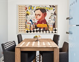 Mieszkanie w Śródmieściu - Mała otwarta biała szara jadalnia w kuchni - zdjęcie od Mięta Morris