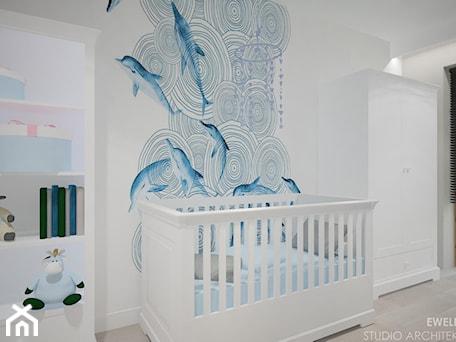 Clever Elegance - Średni biały pokój dziecka dla chłopca dla niemowlaka, styl glamour - zdjęcie od Ewelina Matysiak