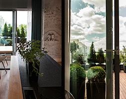 Atrium Park 110m2 - Duży taras na dachu, styl minimalistyczny - zdjęcie od Interno