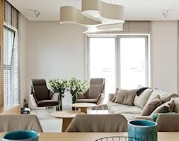 Apartament w pastelach - Średni beżowy salon z jadalnią, styl nowoczesny - zdjęcie od Interno - Homebook