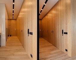 Atrium Park 110m2 - Duży biały brązowy hol / przedpokój, styl nowoczesny - zdjęcie od Interno