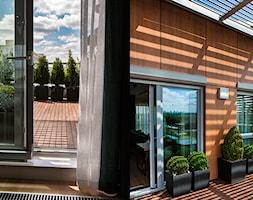 Atrium Park 110m2 - Średni taras na dachu, styl minimalistyczny - zdjęcie od Interno