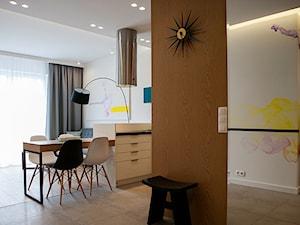 Atrium Park - mieszkanie pokazowe - Średni biały kolorowy hol / przedpokój, styl nowoczesny - zdjęcie od Interno
