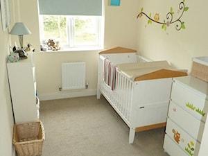Wiosenne metamorfozy - Mały beżowy pokój dziecka dla chłopca dla dziewczynki dla niemowlaka - zdjęcie od Dulux